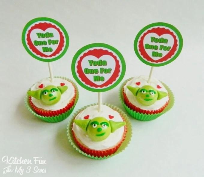"Star Wars Yoda Valentine's Day Cupcakes ""Yoda One For Me"""