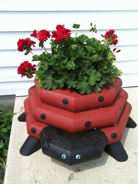 Ladybug Timber Flower Planter...this is so cute!