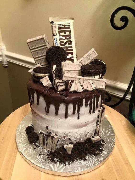 Hershey Cookies and Cream Cake....these are the BEST Cake Ideas!