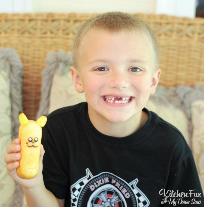 Pikachu Pokemon Twinkie Treats ....such a fun & easy idea for a Pokemon Party!
