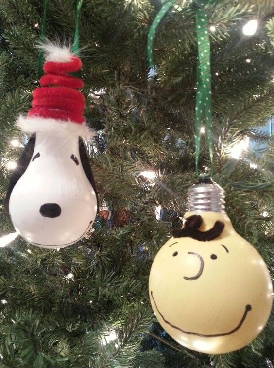 Charlie Brown & Snoopy Ornaments...these are the BEST Homemade Christmas Ornament Ideas!
