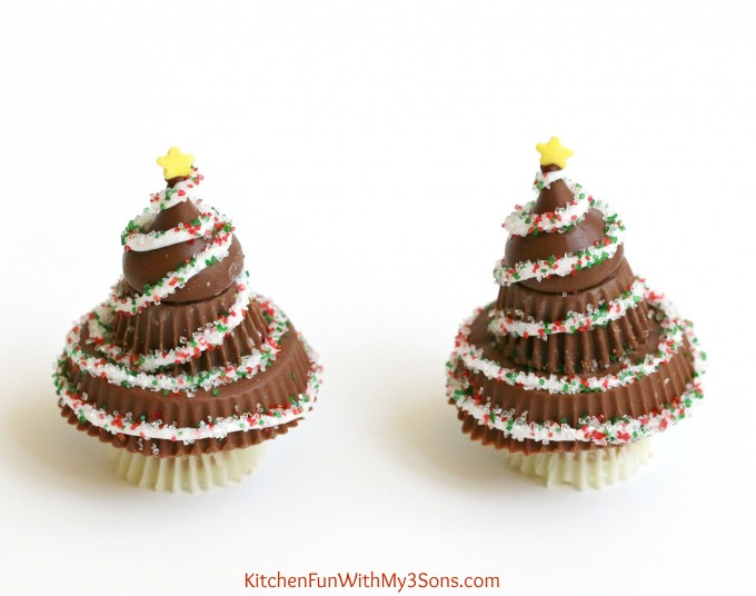 peanut-butter-cup-christmas-trees-reeses-treats-7