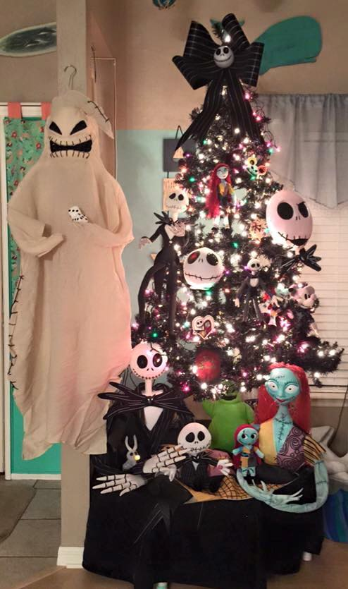 Nightmare Before Christmas Tree...these are the most Creative Christmas Trees!