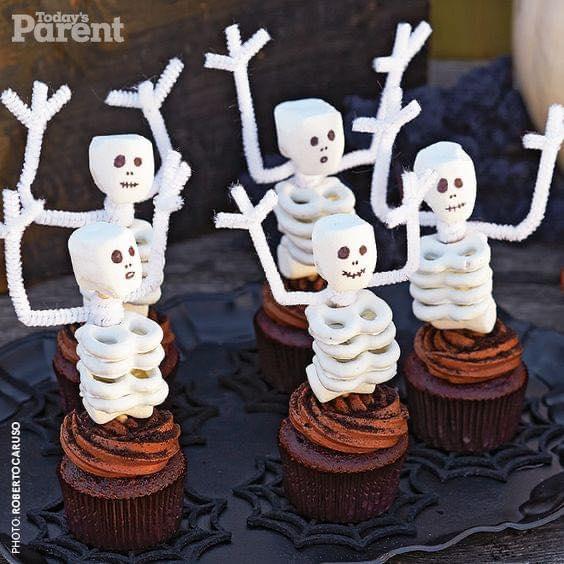 Pretzel Skeleton Cupcakes