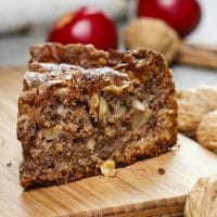 Cinnamon Apple Cake - Easy and Moist