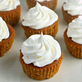 Pumpkin Pie Cupcakes are tiny pumpkin pies you can eat with your hands. So yummy for fall and Thanksgiving!