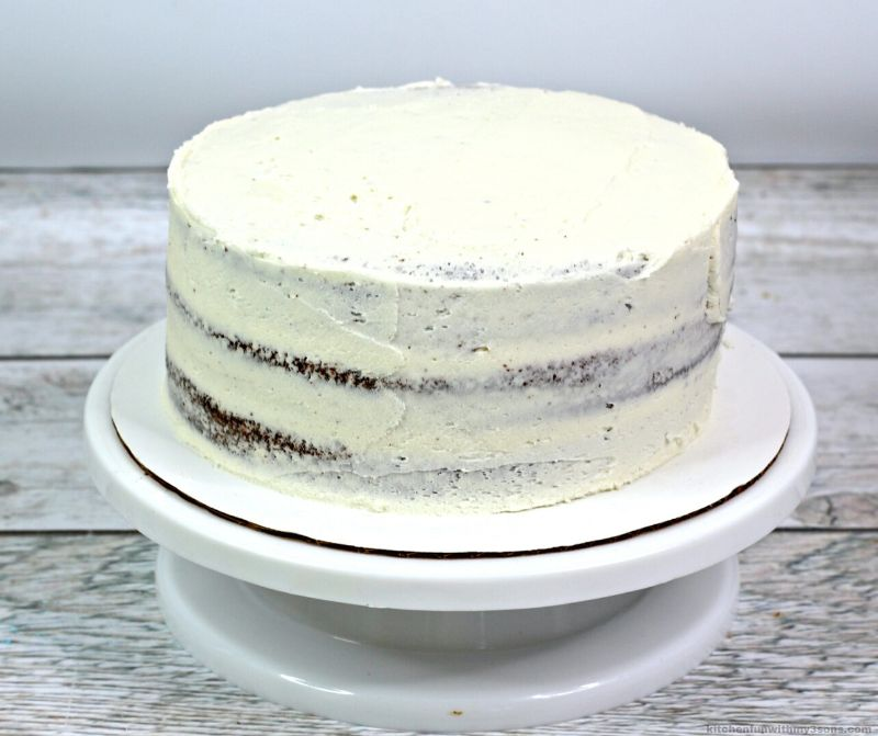 white frosted chocolate cake