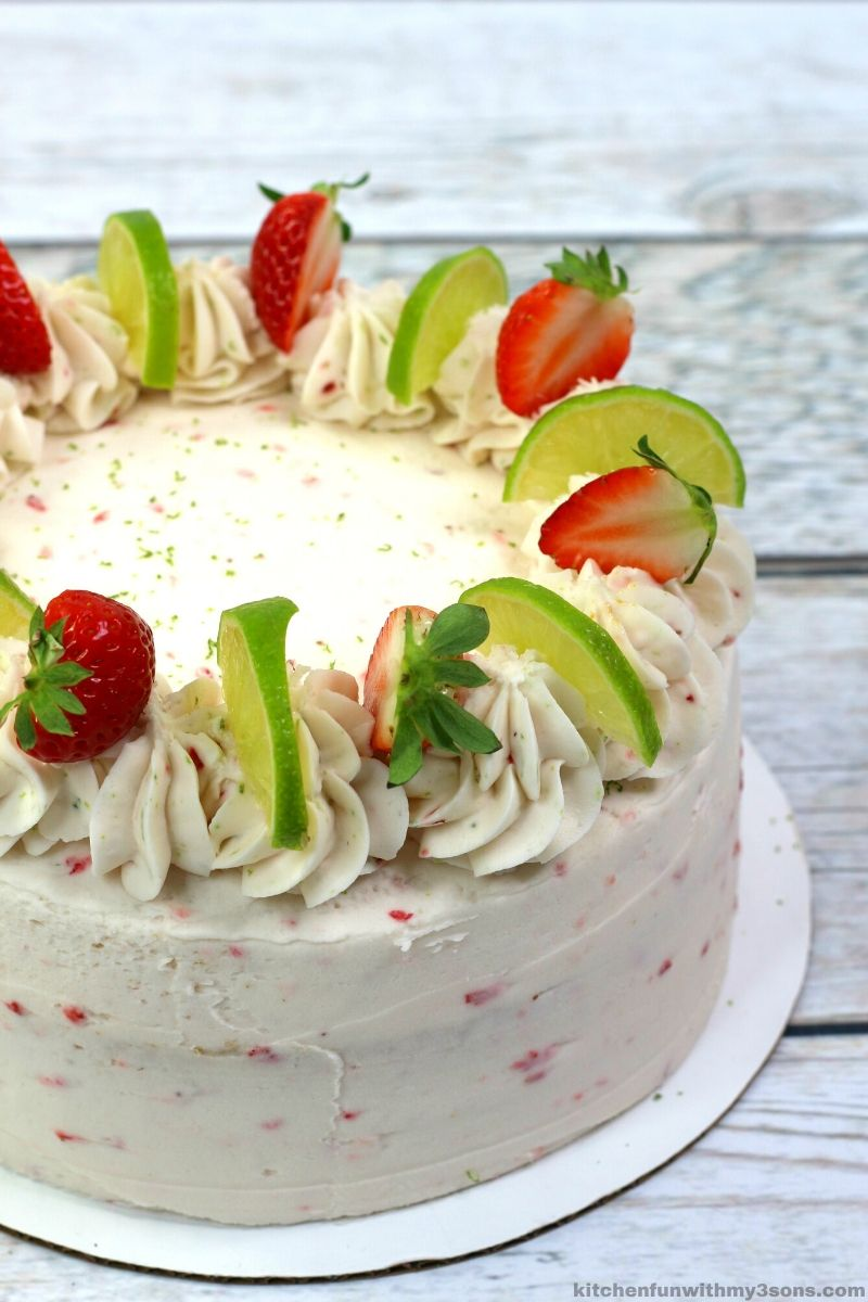cake with lime and strawberry
