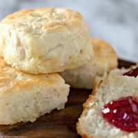 7 Up Biscuits Recipe (only 4-ingredients)
