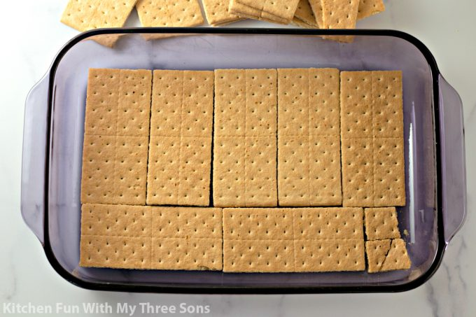 a single layer of graham crackers in a pan
