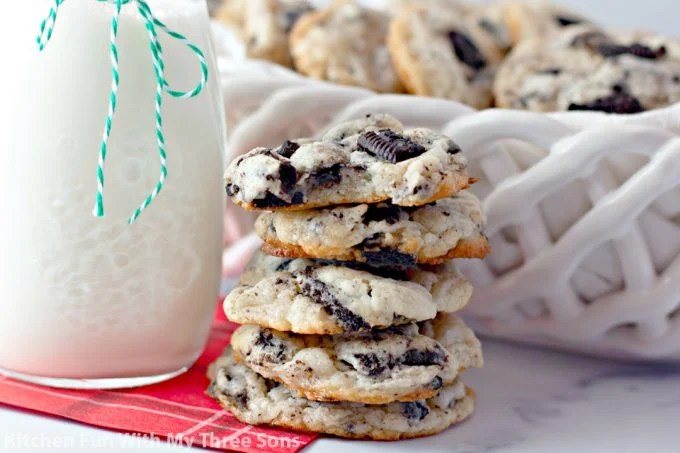stacked Oreo Cheesecake Cookies on a red napkin