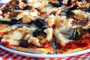 patlicanli_pizza_melanzana-1_5a72a4d2d4b857b455ba5bcbbf64444b