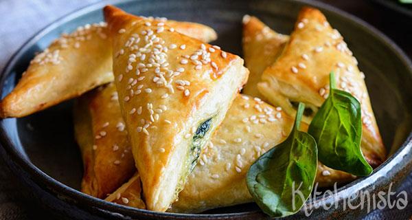Spanakopitakia (Griekse pasteitjes met feta en spinazie)