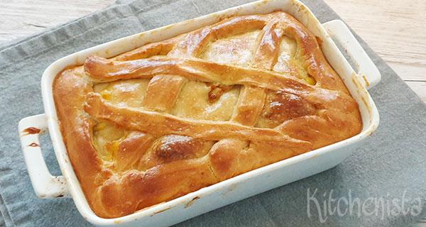 Britse hartige pie met kip, prei en champignons