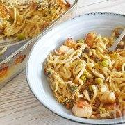 Tetrazzini van spaghetti met kalkoen, champignons en tuinerwten
