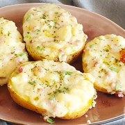 Gevulde aardappels met spek, cheddar en bosui