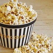 Popcorn met knoflook, chilipeper en tijm