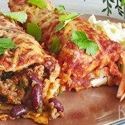 Beef enchiladas met kidneybonen en tomatensaus