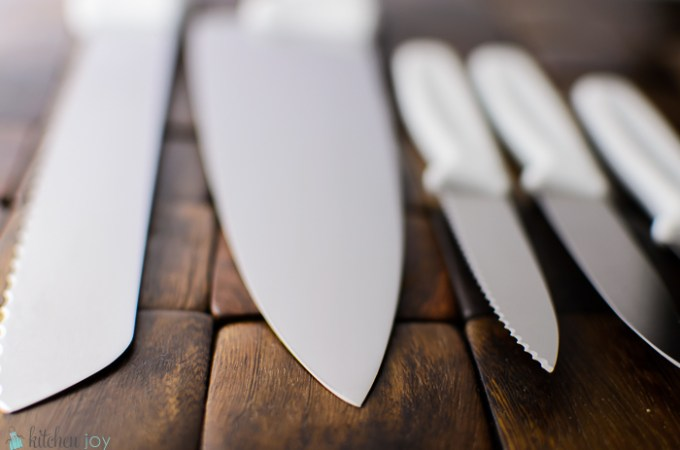 how to sharpen kitchen knives, best steel for kitchen knives, how to reprofile a knife blade, how to know if a knife needs sharpening