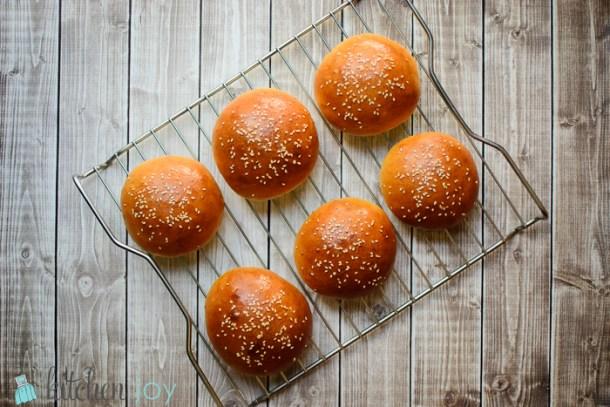 homemade-hamburger-buns
