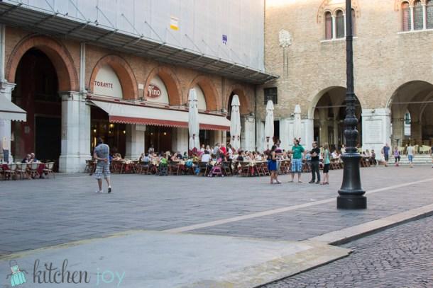 Kitchen-Joy-Life-in-Italy (5)
