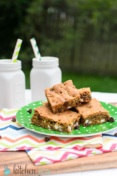 chocolate-chip-cookie-bars-recipe