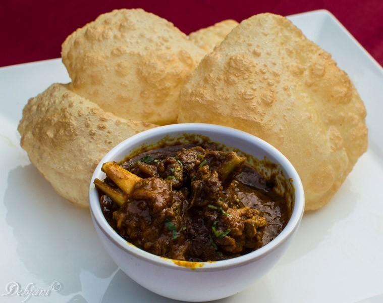 %Abcos Food Plaza