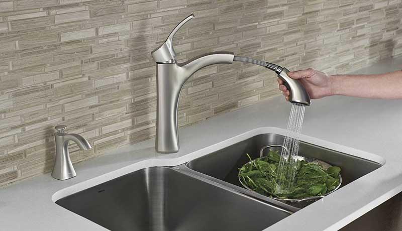 Moen 9125SRS Pullout Kitchen Faucet