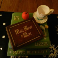 Geek Cake Friday: 9 Disney-Tastic Once Upon A Time Cakes