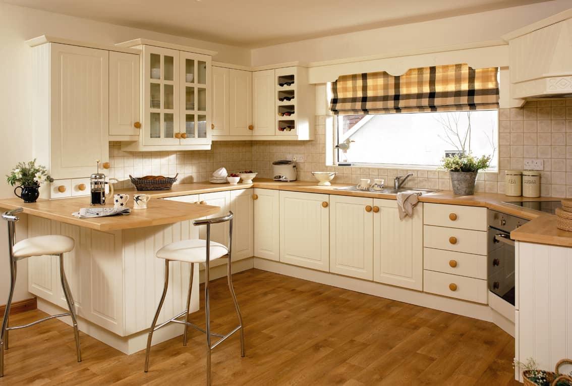 Cucina Con Finestra Orizzontale cucina ad angolo vicino alla finestra. come sistemare una