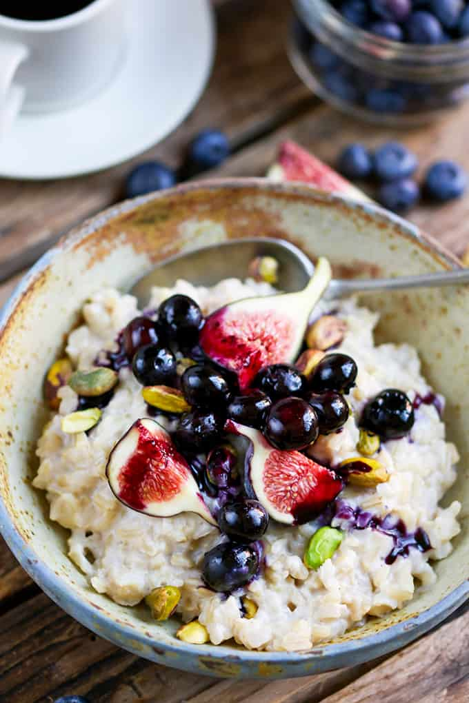 Brown Rice Porridge with Figs, Blueberries, and Pistachios