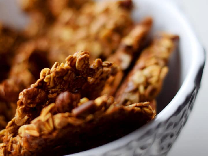 Clumpy Molasses Pecan Granola Recipe