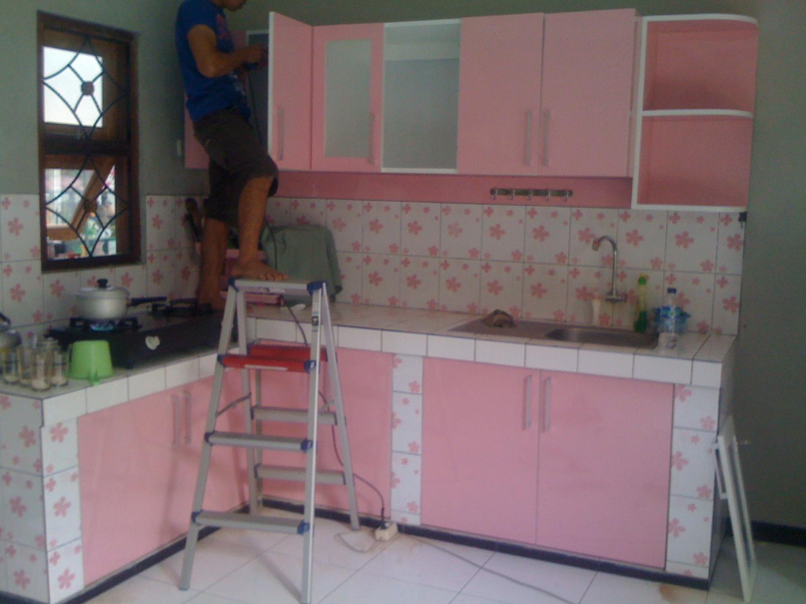 Kitchen set finishing hpl motif warna