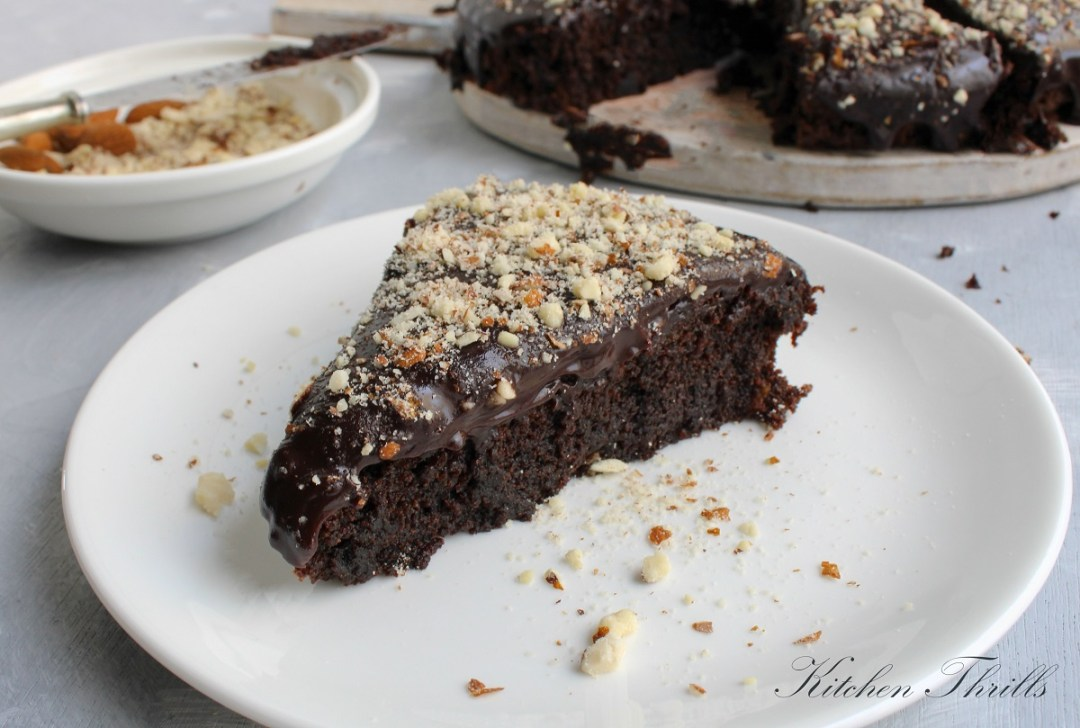 A deviously simple moist chocolate cake made healthy with beetroot puree and dark chocolate. #healthyfood #chocolate