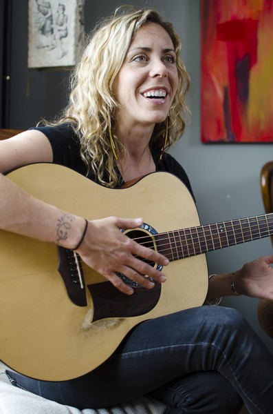 Amanda Rheaume: new album sparks storytelling