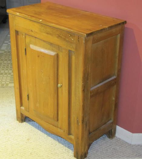 WEB-Collected-Treasure-cabinet