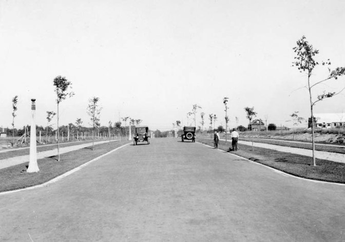 A view of Island Park Drive near St. George Parish Church in the 1920's.