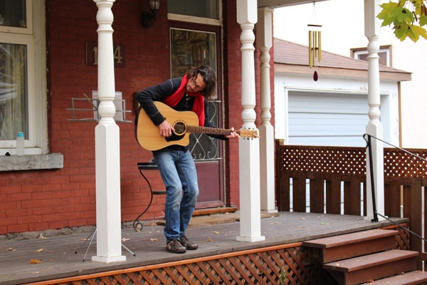 Sandy Dupuis at Ottawa Porchfest.