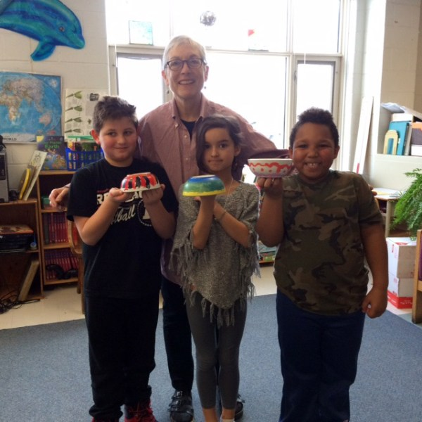 Artist Miriam Bloom with Connaught P.S. students. Photo by Julie McIsaac