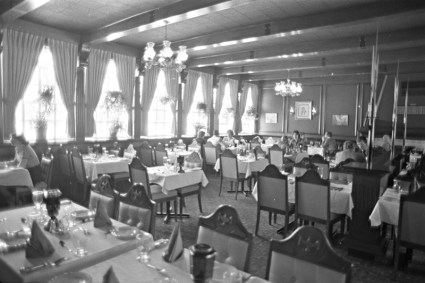 Bate Island restaurant interior