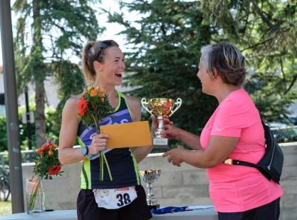 Jenn Bushell awarded as fastest female runner: 00:18:57.1