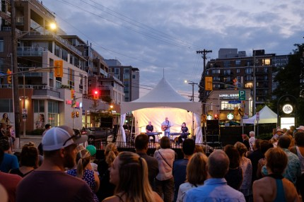 The Dueling Pianos delighting music fans with a sunset performance
