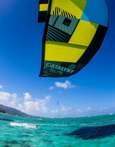 Ozone Catalyst 2013 - Kitebaording Cairns Australia