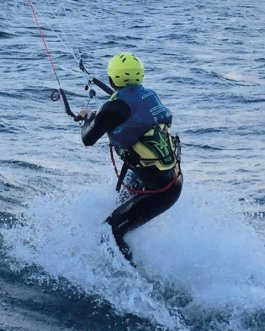 week kitesurfing camp  lake garda
