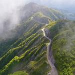 日本百名山の伊吹山ドライブウェイで全長17㎞の紅葉を楽しむ