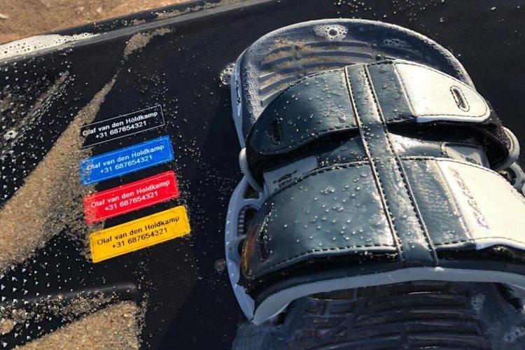 Watervaste kitesurf sticker met contactgegevens
