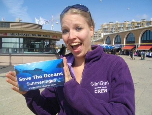 Climate babe voor Save the Oceans Scheveningen