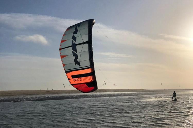 How much wind need kite surfing