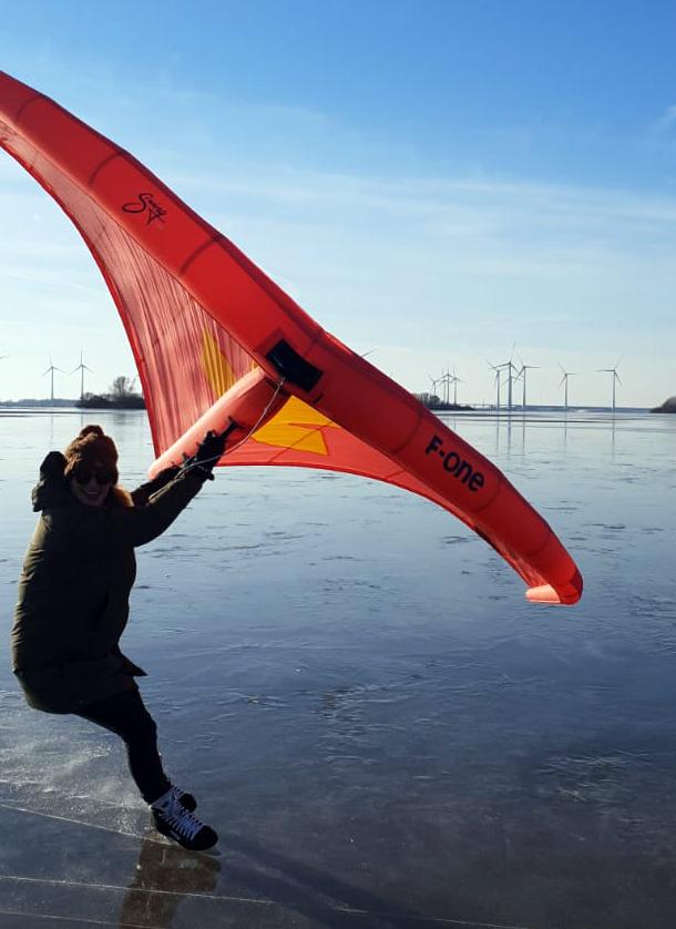 Ice wingsurfing