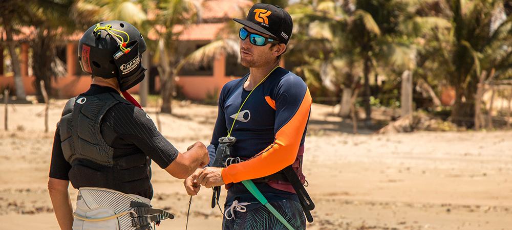 Preparação do material de kitesurf